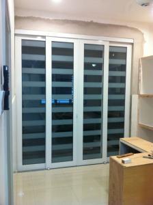 Powder coated aluminium glass folding door